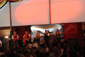 Band im Hippodrom
