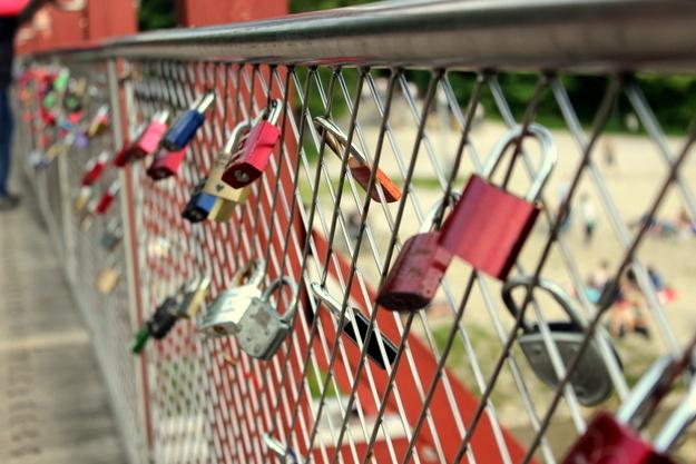 Thalkirchner Brücke mit Liebesgrüßen