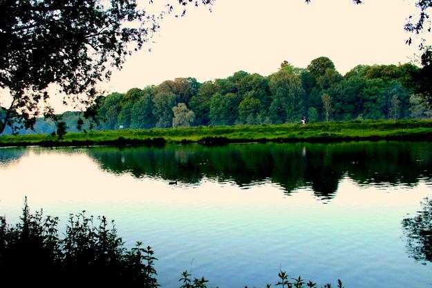 am stillen Gewässer in München