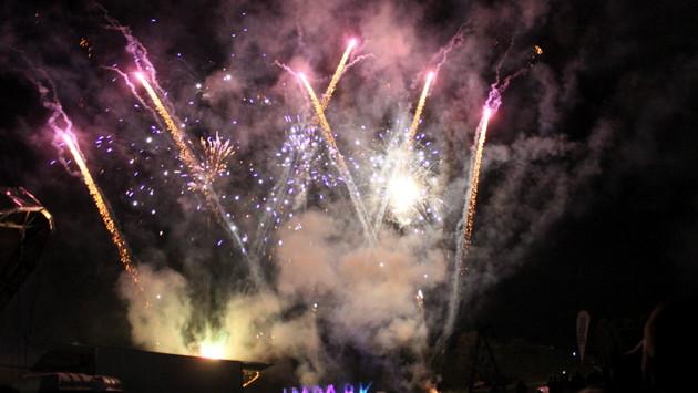 Himmel leuchtet beim impark Feuerwerk