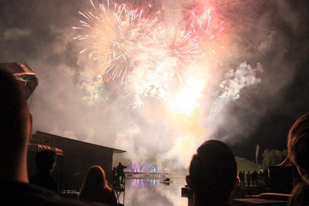 Mitten im Feuerwerk impark